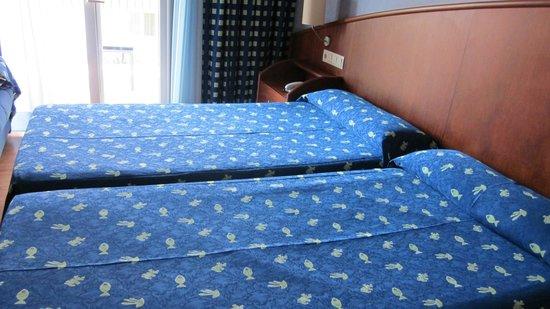 Hotel Delfin: Dormitorio
