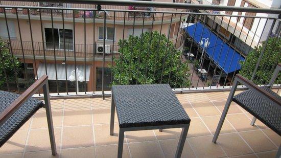 Hotel Delfin: Terraza de la habitación