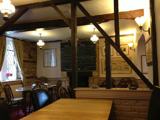 The Hostelrie at Goodrich: Bar dinning area
