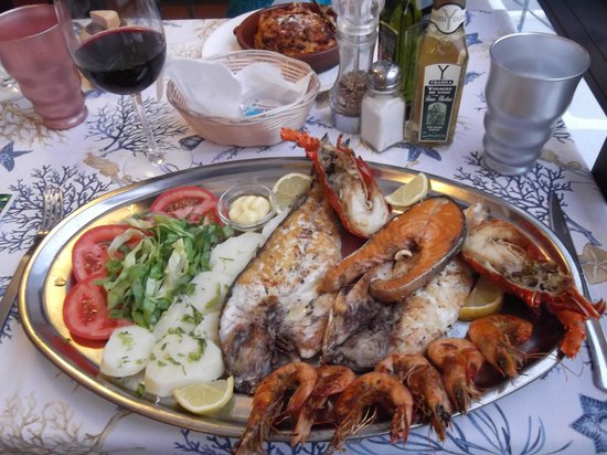 Pepenero : I so enjoyed this grilled fish/seafood platter
