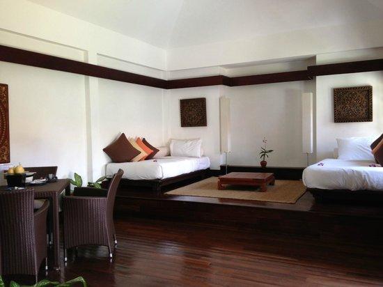 Belmond Napasai: salon dans garden pool villa