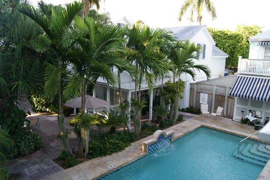 Marquesa Hotel: Pool area