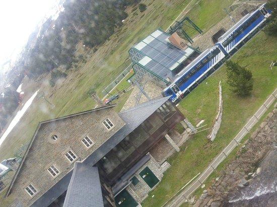 Hotel Husa Vall De Nuria: Stazione arrivo cremagliera
