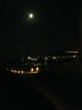 en milo full moon august 2013
