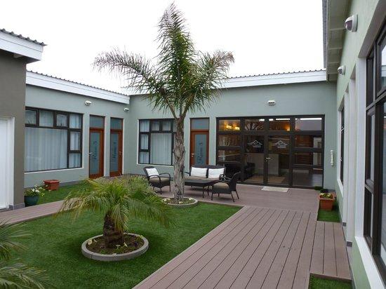 Namib Guesthouse: Schöner, gepflegter Innenhof