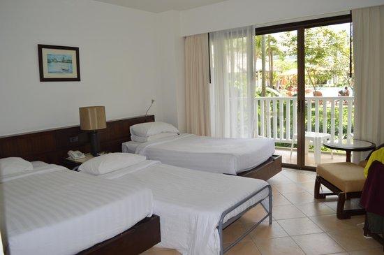 Aonang Villa Resort : Chambre