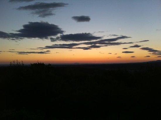 Agriturismo Fattoria La Prugnola: tramonto da La Locanda