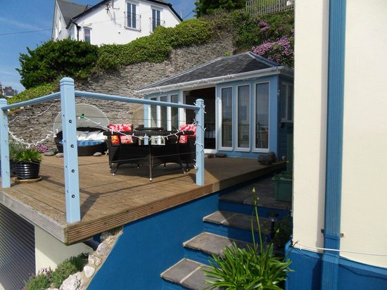 Victoria House: Your private deck