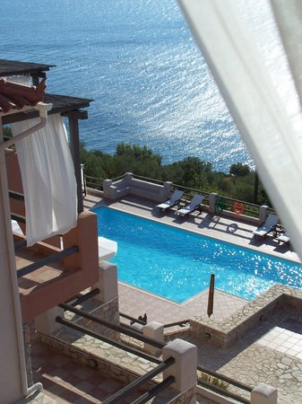 Apelon Tiritas Villas : view from Ilienthemo Villa