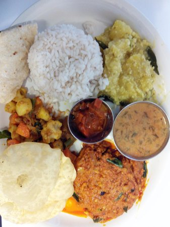 fusion Bay : Syrian Catholic Meal - red rice, indian bread, fish, masala tapioca, and vegs.
