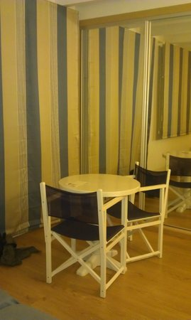 Hotel Playa Azul: habitación