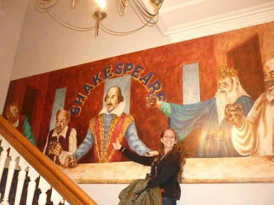 Shakespeare Tavern & Hotel: la montée vers le resto