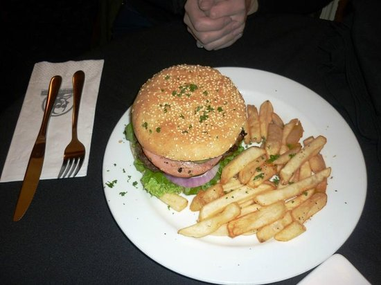 Shakespeare Tavern & Hotel: burger
