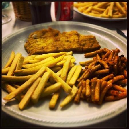 Cinque e Mezzo : cotoletta alla milanese patatine fritte e pasta alla bolognese
