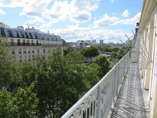 Hotel le Tourville: Balcony and view from no. 54