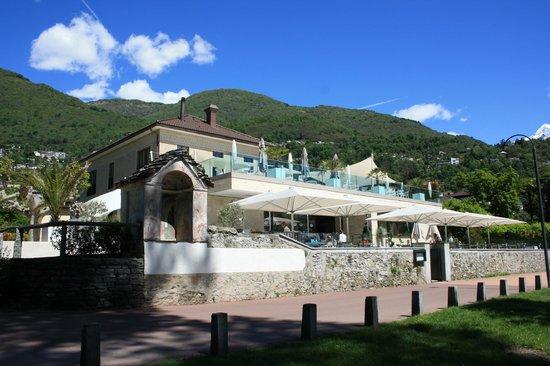 Giardino Lago: View from the promenade