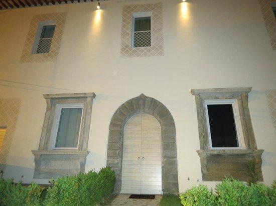 Villa Aruch: Fachada do Hotel