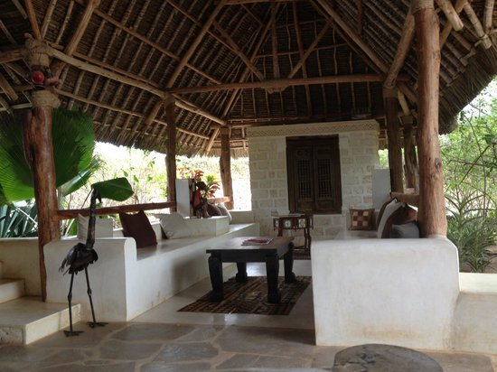 The Charming Lonno Lodge: Lobby
