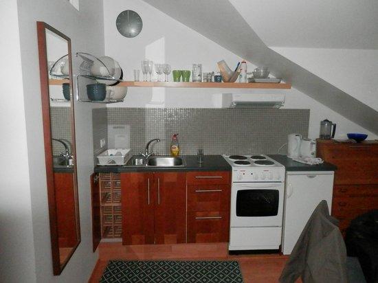 Kalli's Apartments: usefull kitchen