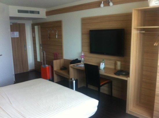 Star Inn Hotel Wien Schonbrunn, by Comfort: Room