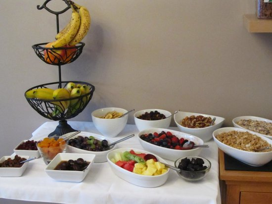 Waters Reach Guest House: Selection of the healthy eating options for breakfast