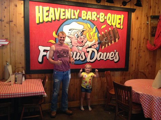 Famous Dave's: Four out of four thumbs up!!!