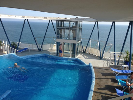 Sol Marina Palace: Rooftop Pool view