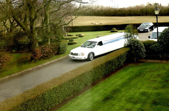 The Gretna Chase Hotel: Limo from Gretna Wedding Bureau package