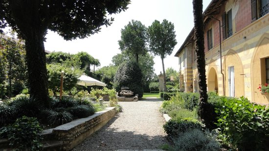 Tenimento al Castello: grosser italienisch-rustikaler Garten
