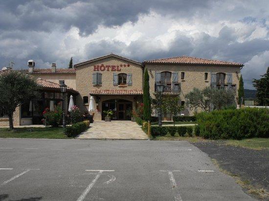 Le Mas De Mon Pere : L'hôtel .