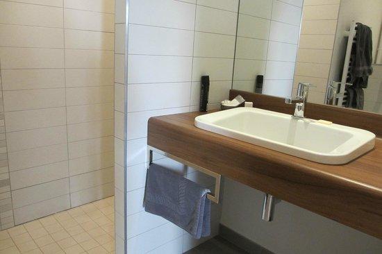 Modern bathroom picture of hotel de biencourt azay le rideau tripadvisor - Hotel de biencourt azay le rideau ...