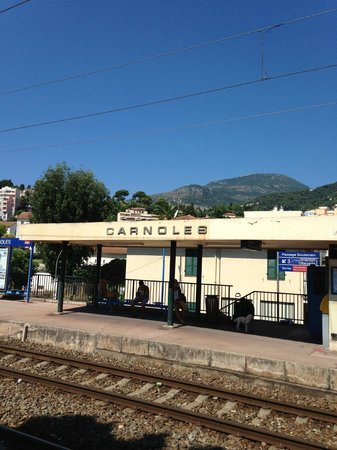 Hotel Le Grand Cap : The NEAREST station!