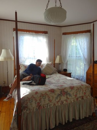 Betsy's Bed and Breakfast: Our room