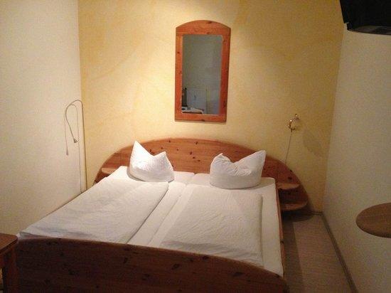 Hotel Krone Ettenkirch: Schlafbereich.