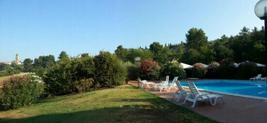 Casa Giulia Country House: splendida piscina