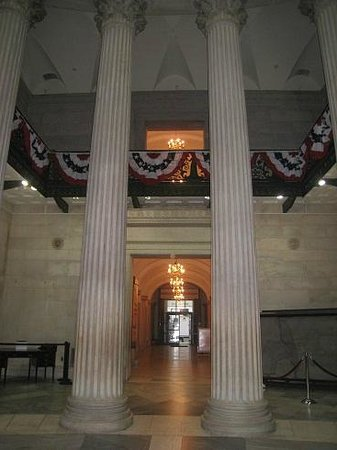 The Wall Street Experience - Wall Street Tours : Inside the Federal Hall