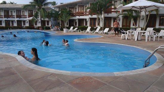 Oceano Praia Hotel: Piscina maravilhosa no fim de tarde.