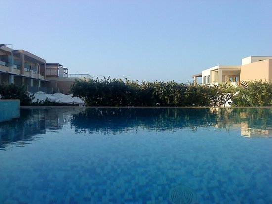 Minoa Palace Resort: Θεα απο την ιδιωτικη πισινα
