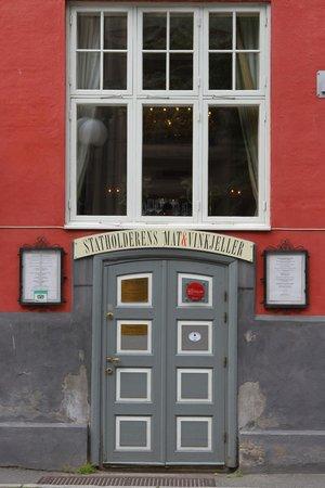 Statholderens Mat & Vinkjeller: entrance