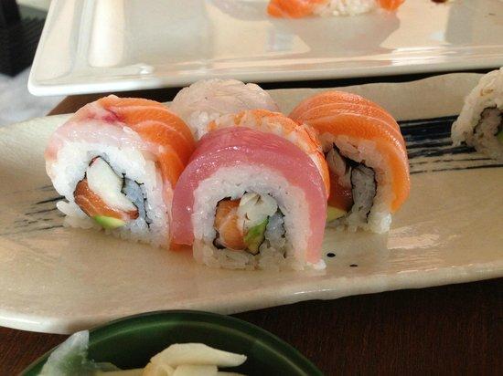 Uramaki misti foto di sushi san fermo padova padova for Via san fermo milano