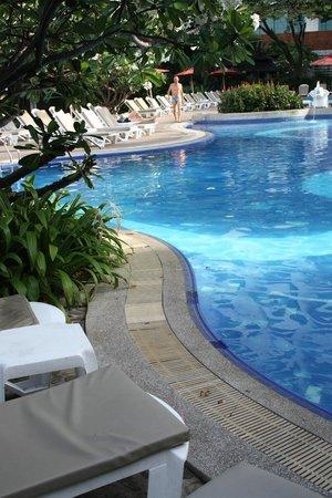 Cosy Beach Hotel: Бассейн