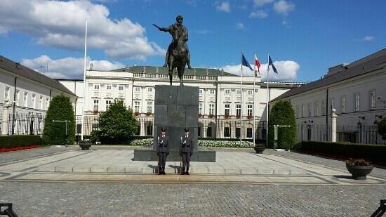 Presidential Palace (Palac Prezydencki): Президентский дворец