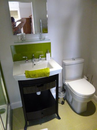 Northrise Lodge: 'Rosemary and Thyme' Bathroom