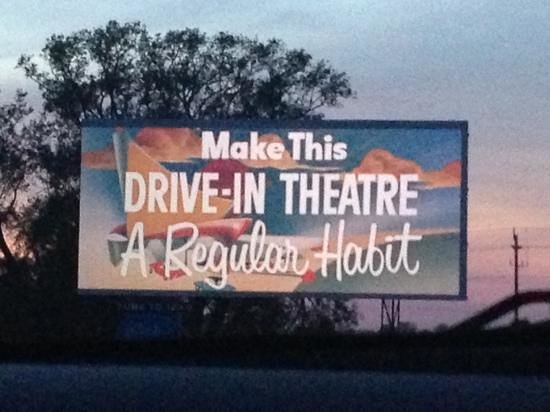 Mustang Drive-In : The Big Screen