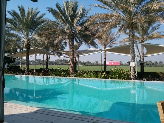 Desert Palm PER AQUUM: nice pool area