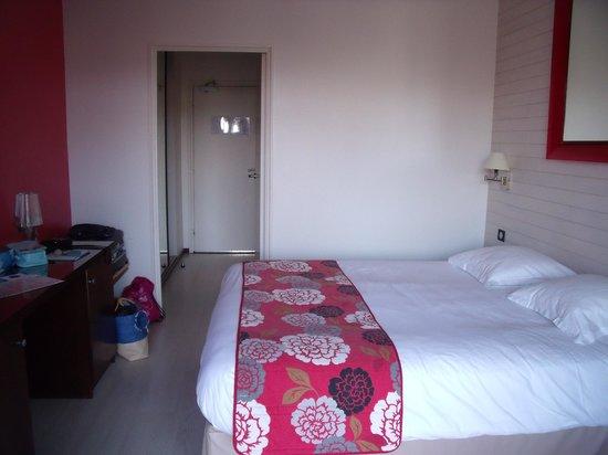 Golden Tulip Hôtel & Spa Roscoff - Valdys Resort : la jolie chambre bien confortable avec balcon