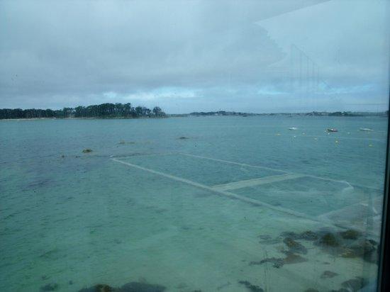 Hôtel Thalasstonic de Roscoff : la piscine extérieure pour les heures de marée basse