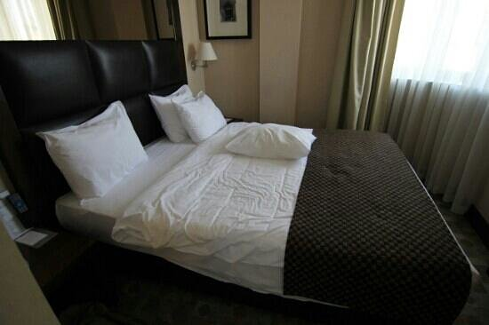 Midtown Hotel : الغرفة