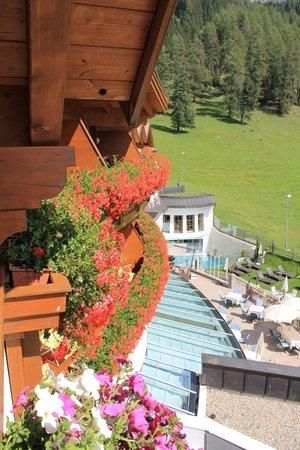 Hotel Sonnalp: scorcio dell'area relax all'esterno