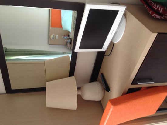 Losanna Hotel: Angolo tv